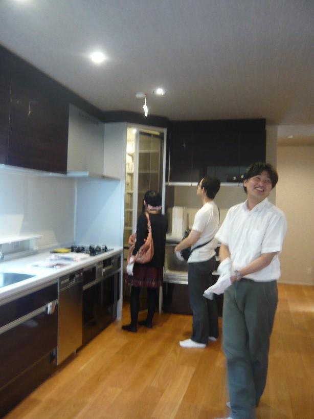 L型キッチン コーナー収納
