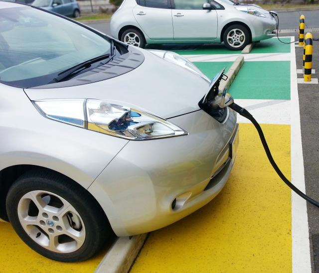 卒FITでの電気自動車の利用